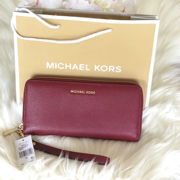 a78feb790f58 MICHAEL Michael Kors Bags | Michael Korsmoney Piecestravel ...